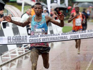 El etíope Selemon Barega gana el 75 Cross de Elgoibar