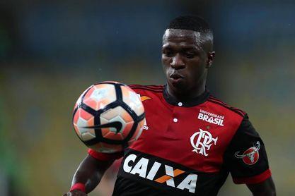 Vinicius Junior se reincorpora a los entrenamientos del Flamengo