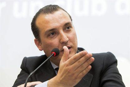 Catalán trata con el Consejo los movimientos de mercado y situación deportiva