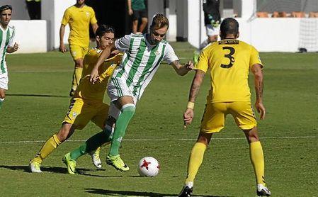Loren, en el partido de Liga ante el Marbella.