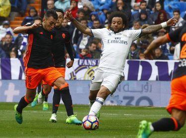 Un Valencia dubitativo recibe a un Madrid deprimido en pos del tercer puesto