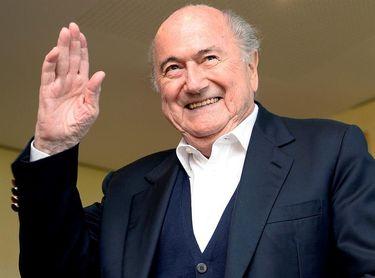 Blatter estudia iniciar acciones legales contra la FIFA para limpiar su nombre