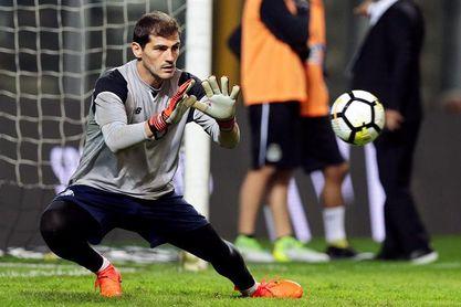 Casillas permanecerá en el Oporto al menos hasta final de temporada