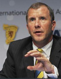 Dimite el presidente de la Federación Escocesa de Fútbol tras no fichar a O´Neill