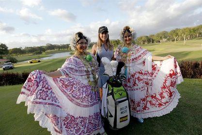 La golfista española Belén Mozo engalana el inicio del Panamá Championship de golf