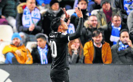 Muriel celebrando el 0-1.