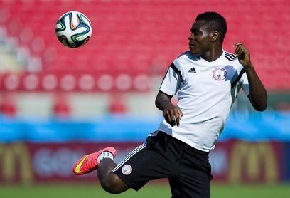 El nigeriano Emenike llega a la UD Las Palmas cedido por el Olympiacos griego