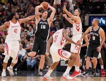 91-102. James y Rockets dominan a Spurs en duelo tejano; Pau Gasol, 6 puntos
