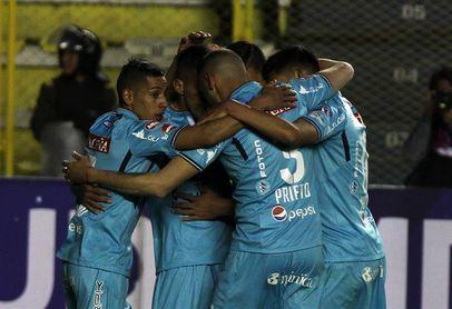 El bicampeón Bolívar sufre para vencer al Universitario en el torneo boliviano