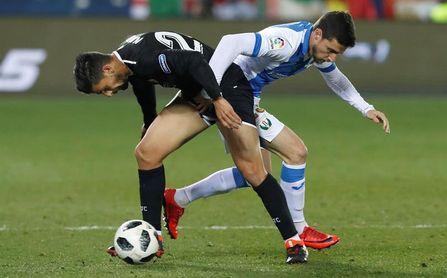 Sevilla y Barcelona disponen una corta pero importante ventaja