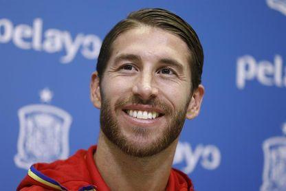La Comunidad de Madrid premia a Sergio Ramos y al Atlético de Madrid femenino