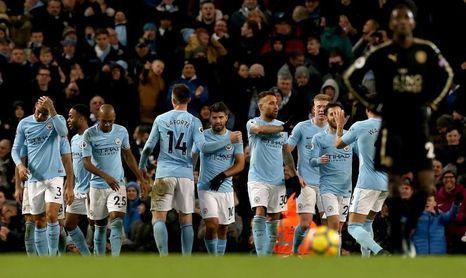 El City acaricia el título y el Tottenham entra en la pelea por la Champions
