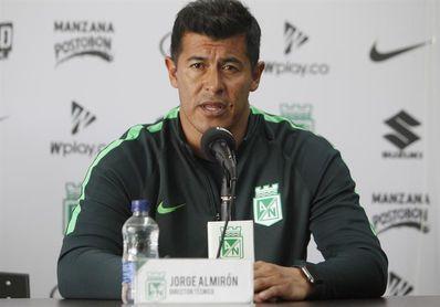 Atlético Nacional se sacude y derrota a Santa Fe 1-0 y trepa al liderato