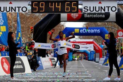 El etíope Mule Washiun, con 59:44, nuevo récord de la prueba