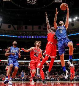 103-101. LaVine hace la diferencia a favor de Bulls, en duelo de perdedores