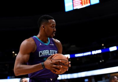 111-96. Howard y Walker lideran la victoria de los Hornets en el debut de Willy
