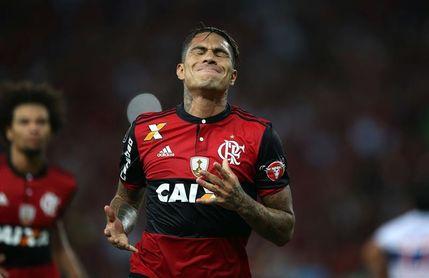 El Flamengo se propone negociar la renovación del peruano Paolo Guerrero