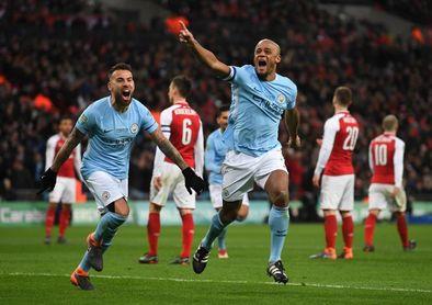 0-3. El Manchester City se exhibe y Guardiola levanta su primer título en Inglaterra