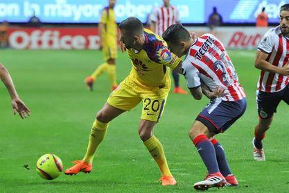 Guadalajara y América pactan un empate en el clásico del fútbol mexicano