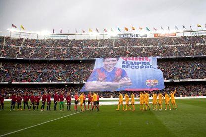 Último homenaje del Camp Nou a ´Quini´