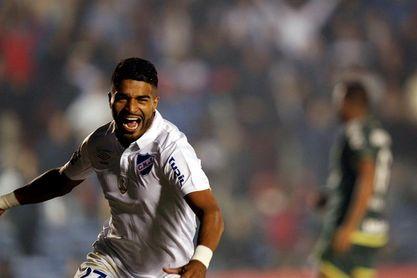 El uruguayo Aguirre está a punto de cambiar al Udinese por el Botafogo