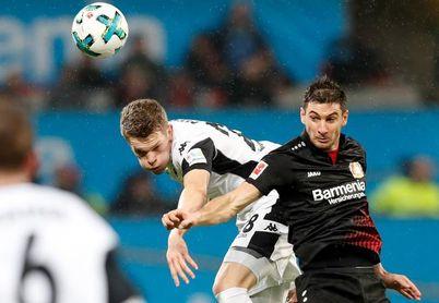 Lucas Alario pone tercero al Bayer Leverkusen
