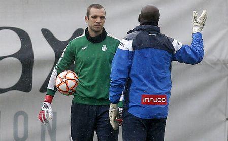 Pau López, pitado antes del inicio del Espanyol-Real Sociedad