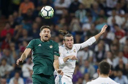 Competición retira la tarjeta a Javi García y podrá jugar ante el Espanyol