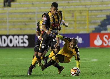 1-0. The Strongest da zarpazo al Peñarol con gol del ecuatoriano Carcelén