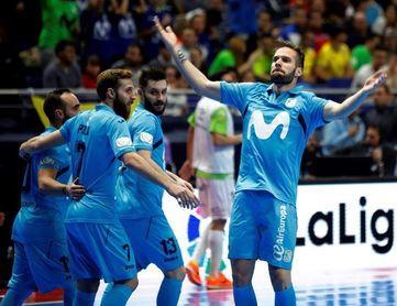 1-4. El Inter remonta, golea y ejerce de favorito