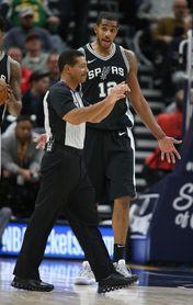 117-101. Aldridge y los Spurs ascienden al quinto lugar de Conferencia