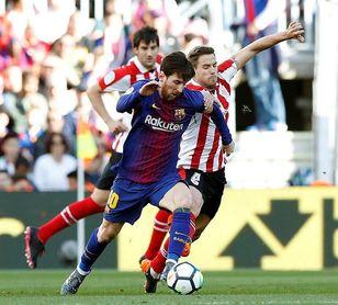 El Barcelona domina 2-0 con goles de Alcácer y Messi