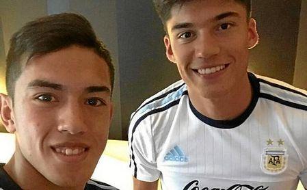 Cuello es de Tucumán, como Correa, con quien coincidió en un partido de Argentina.