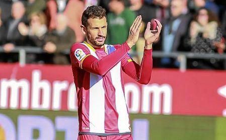 Stuani ha sido vinculado tanto al Betis como al Sevilla.