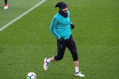 Los cuatro jugadores disponibles se entrenan junto al Castilla