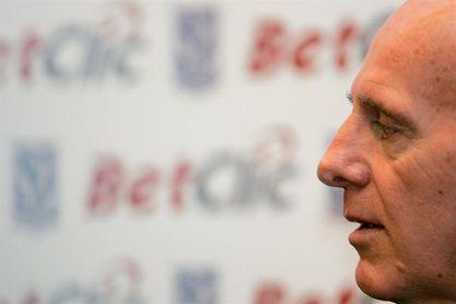 Sacchi quiere que Italia centre su juego en el ataque y no en la defensa