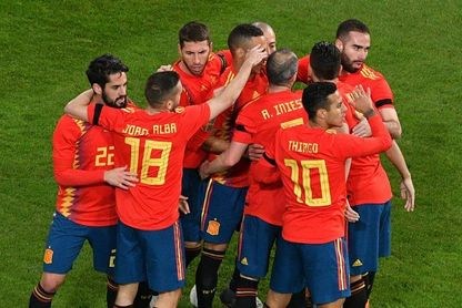 1-1. España presenta credenciales en casa del campeón