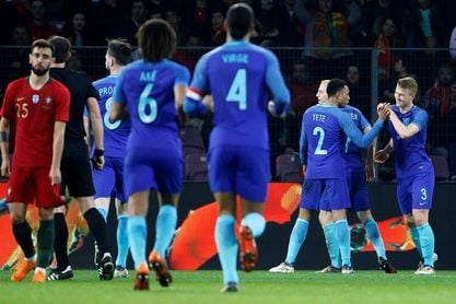 0-3. Holanda avisa a Portugal con tres zarpazos