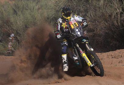 Quintanilla se hace con el liderato en motos tras la segunda etapa
