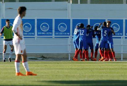 4-2. Francia fue superior y arrebató a España el billete al Europeo