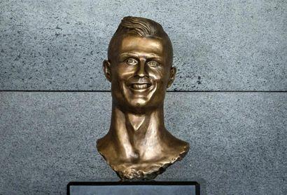 El escultor del busto de Cristiano Ronaldo realiza una nueva versión mejorada