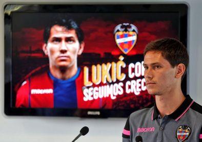 Lukic sufre una rotura muscular y estará un mes de baja