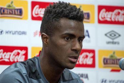 Peruano Ramos deja de pensar en su selección para concentrarse en el Veracruz