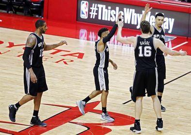 Spurs suben al cuarto puesto; Warriors aseguran a los Rockets la mejor marca de liga
