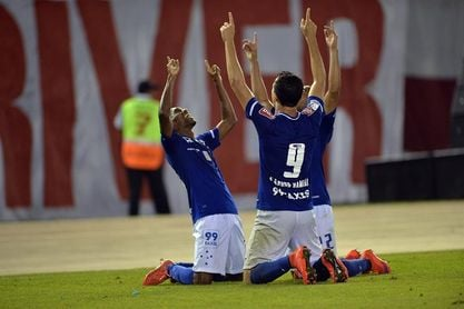 Cruzeiro y Vasco se miden urgidos de una victoria pero centrados en otros torneos