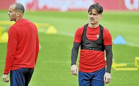 Roque Mesa, en un entrenamiento en la ciudad deportiva del Sevilla.