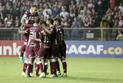 Saprissa y Santos buscan los últimos boletos al cuadrangular final en Costa Rica