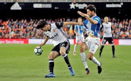 1-0. Un cabezazo de Rodrigo pone tercero al Valencia