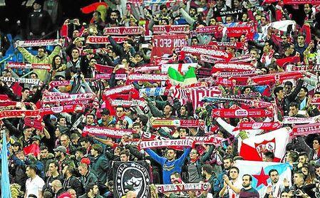 El sevillismo ya se hizo notar en Old Trafford y este miércoles apoyará a su equipo en masa en el Allianz Arena.