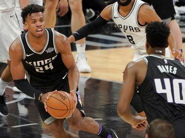 98-85. Gay y Ginóbili aseguran el vigésimo primer pase de los Spurs a los playoffs